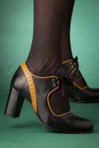 60s Margot Leather Pumps in Black and Mustard