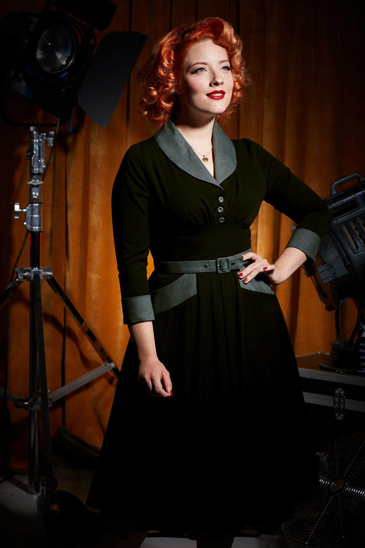 1950s Housewife Dress   50s Day Dresses 50s Rosaleen Swing Dress in Black £95.83 AT vintagedancer.com