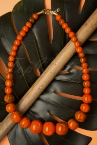 TopVintage Exclusive ~ 40s Fox Carved Beaded Necklace in Orange