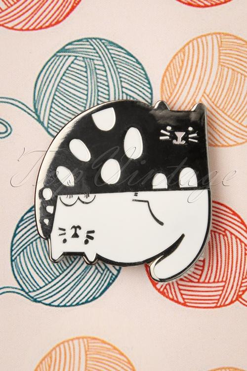Punky Pins 32939 Pin Cats Grey White Upsidedown Dots 11042019 002W