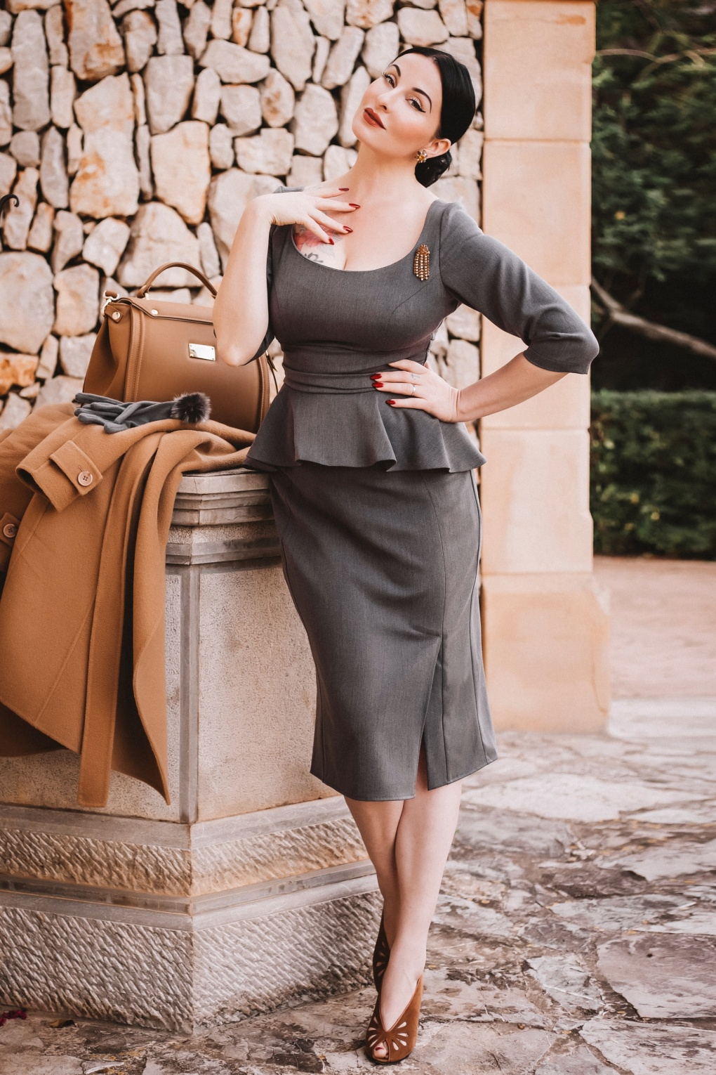 500 Vintage Style Dresses for Sale | Vintage Inspired Dresses Ava Collaboration  50s Ava Pencil Dress in Grey £102.19 AT vintagedancer.com