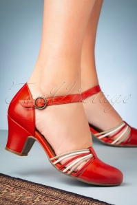60s Fedora Leather Pumps in Scarlet Red