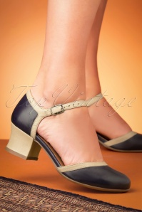 Miz Mooz 32068 Navy Cream Fleet Pump 200113 015 W