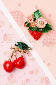 Collectif Clothing 50s Fruity Brooch Set in Red