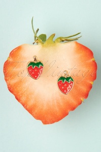 TopVintage Boutique Collection 50s Strawberry Stud Earrings in Red
