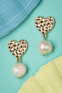 Darling Divine 50s Love For Pearl Earrings in Gold