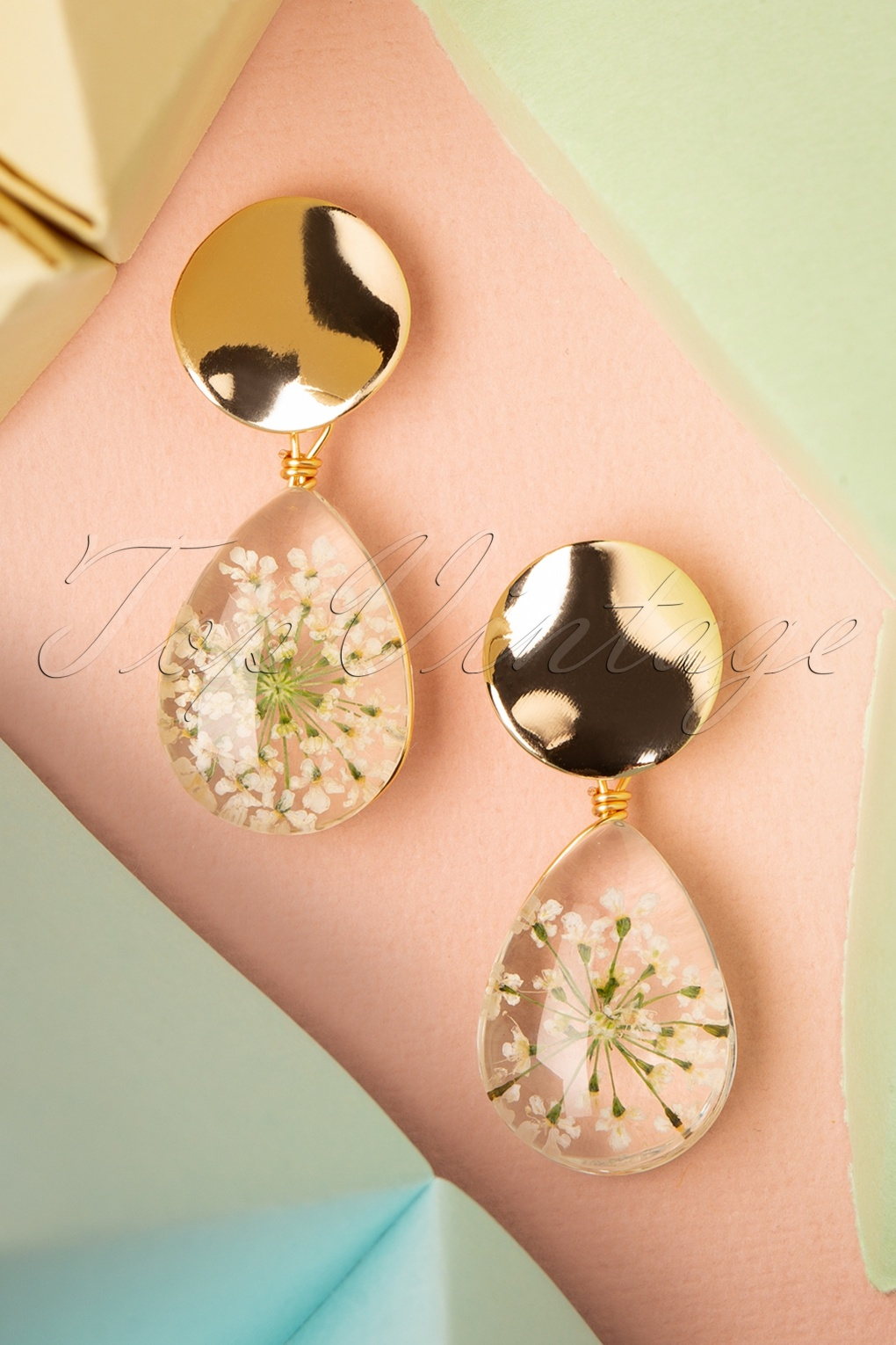 Vintage Style Jewelry, Retro Jewelry 50s Dried Flowers Drop Earrings in White £9.16 AT vintagedancer.com