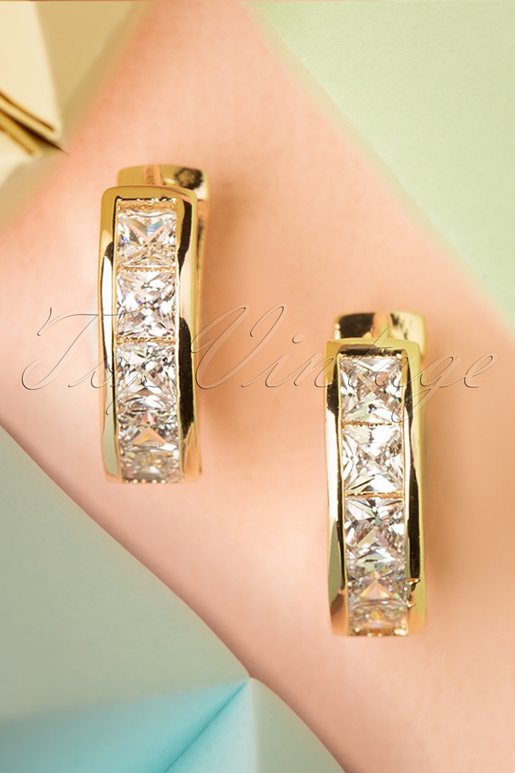 Vintage Style Jewelry, Retro Jewelry 50s Crystal Earrings in Gold £9.16 AT vintagedancer.com