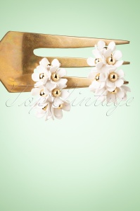 Darling Divine 33404 Earrings Flowers White 200122 003W