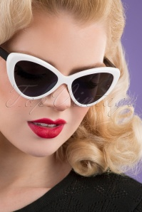 Darling Divine 33426 Boss Babe Sunglasses Black White 200123 002 W