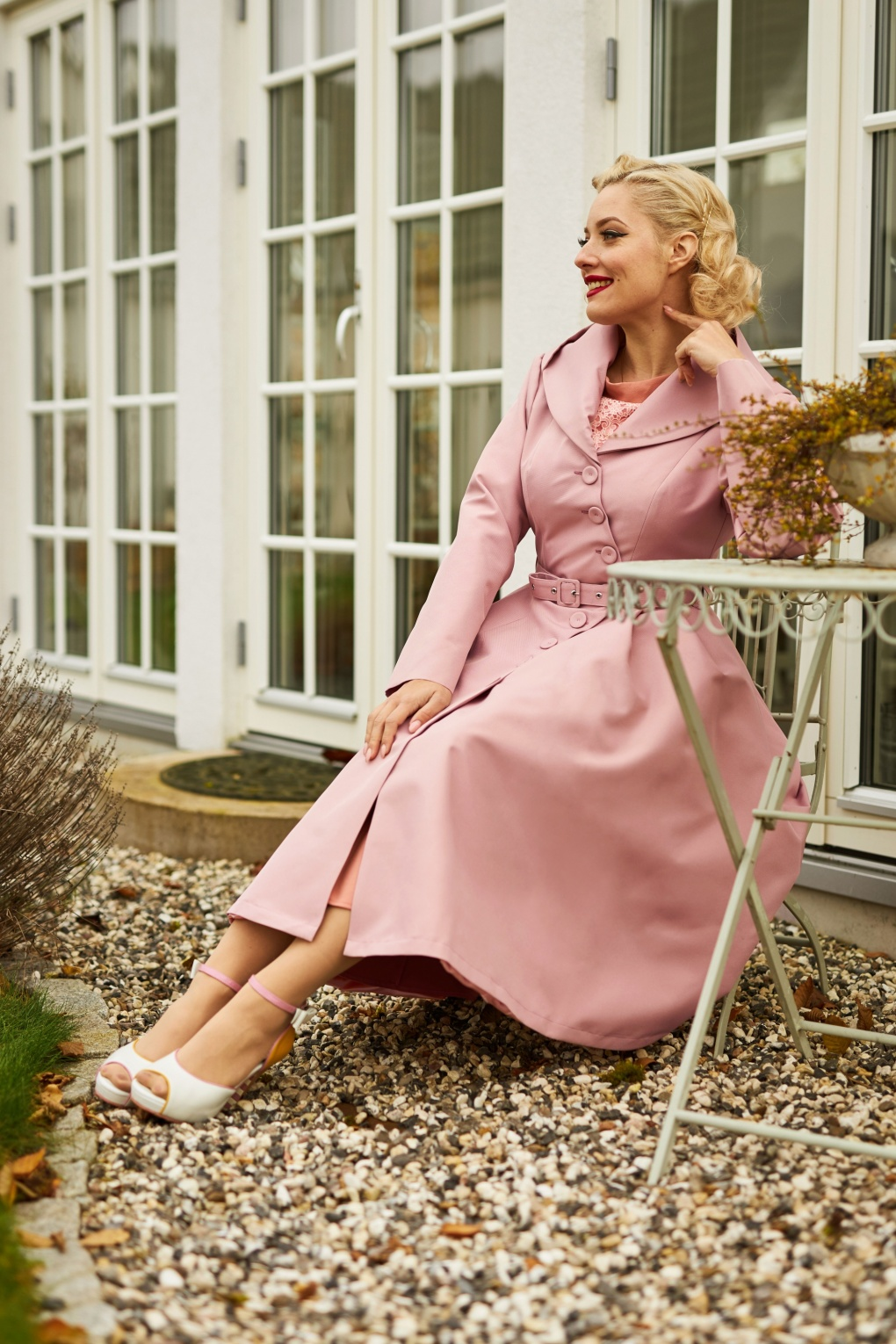 Vintage Coats & Jackets | Retro Coats and Jackets 50s Lorin Helio Swing Trench Coat in Old Rose £148.48 AT vintagedancer.com