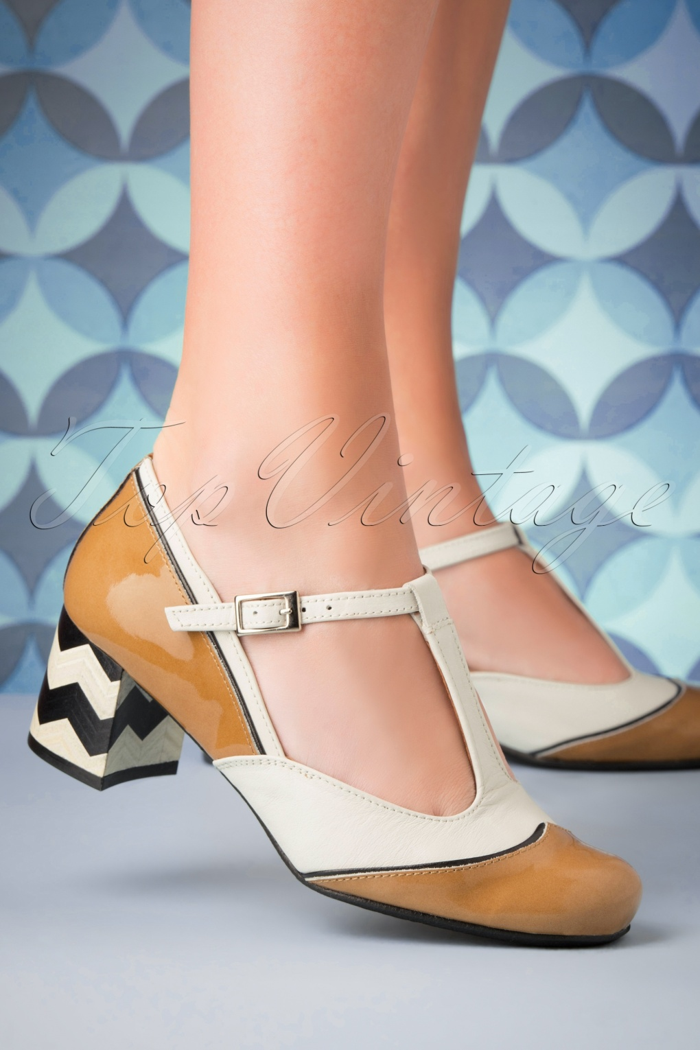 1960s Style Dresses, Clothing, Shoes UK 60s Vintage Cat Leather Pumps in Camel £108.47 AT vintagedancer.com