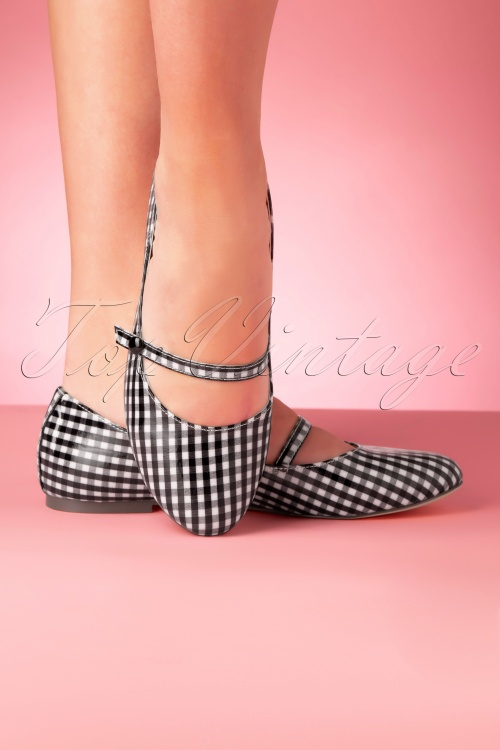 Bait Footwear 33463 Secret Gingham Flats White Black 200210 004W