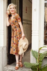 40s Corniglia Flowers Tricot Revers Dress in Camel
