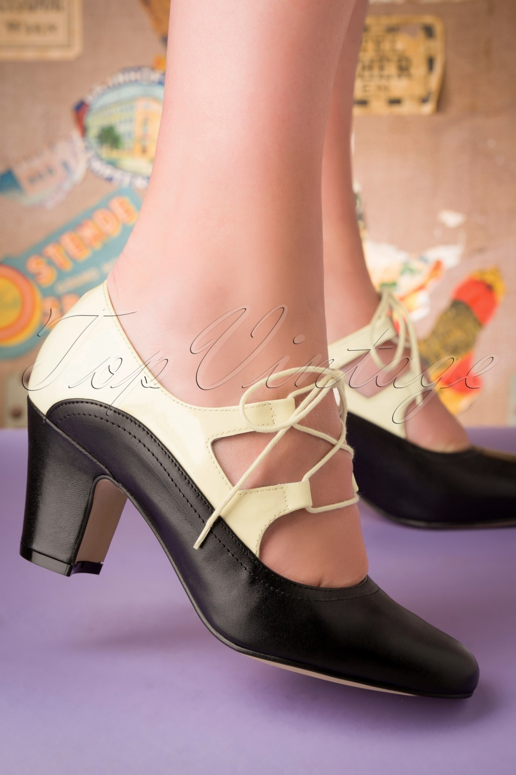 Vintage Heels, Retro Heels, Pumps, Shoes 40s Back In Time Leather Pumps in Black and White £108.47 AT vintagedancer.com