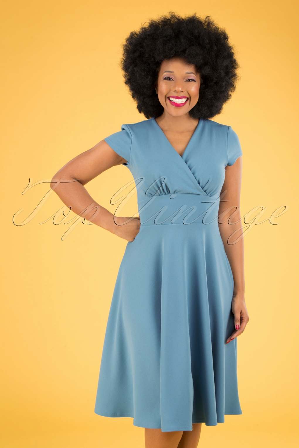 Fifties Dresses : 1950s Style Swing to Wiggle Dresses 50s Addison Swing Dress in Pretty Blue £53.28 AT vintagedancer.com