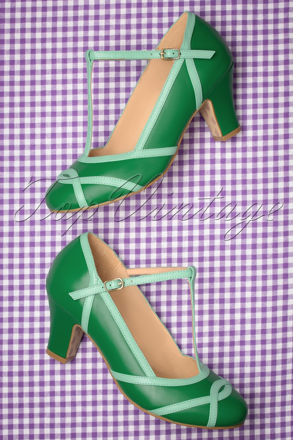 Pin Up Shoes- Heels, Pumps & Flats 50s Ava Giorno dEstate Pumps in Green £110.82 AT vintagedancer.com