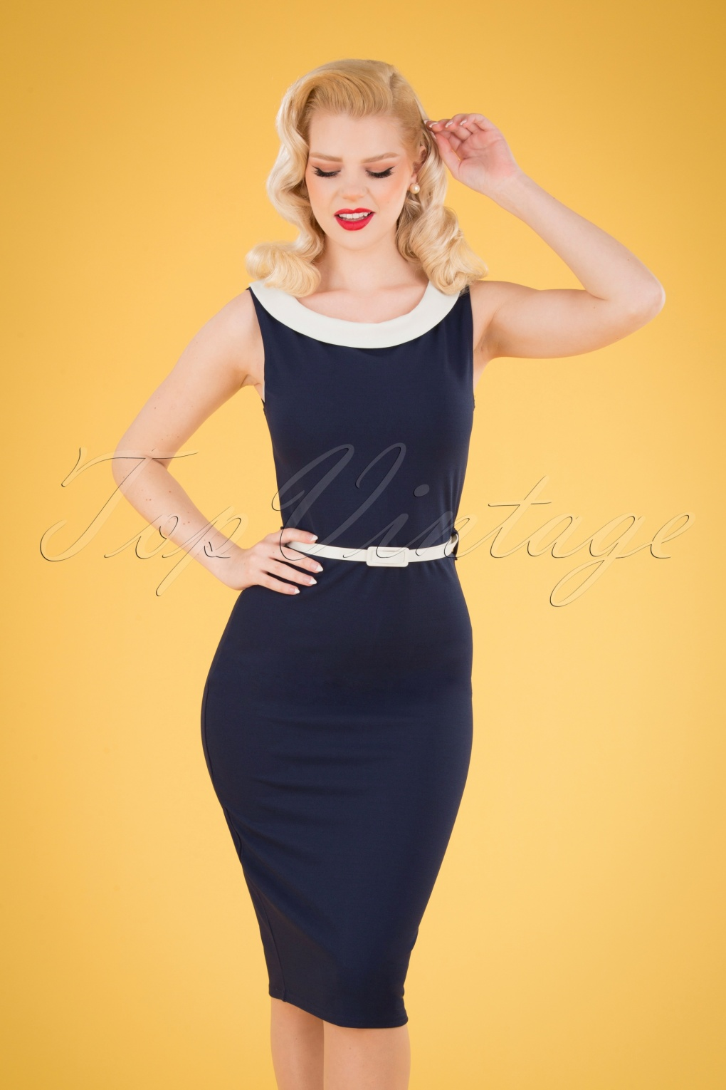1950s Pencil Dresses & Wiggle Dress Styles 50s Bessy Pencil Dress in Navy and Ivory £36.11 AT vintagedancer.com