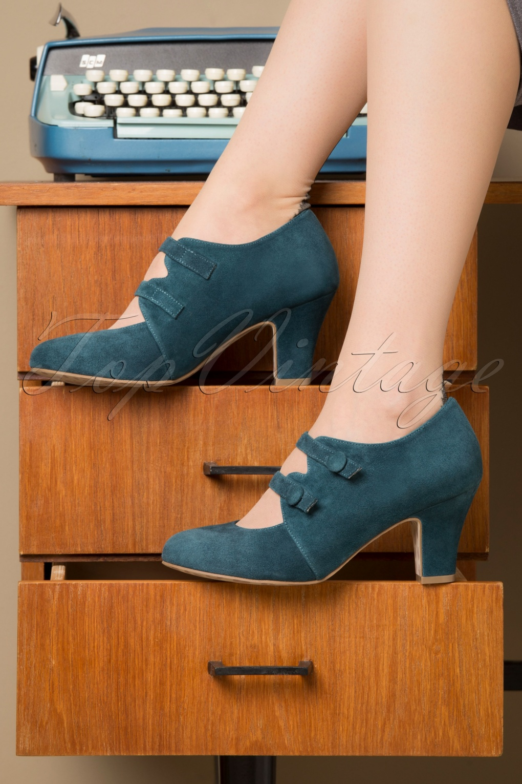 Vintage Heels, Retro Heels, Pumps, Shoes 40s Ava Means Business Pumps in Teal £107.44 AT vintagedancer.com