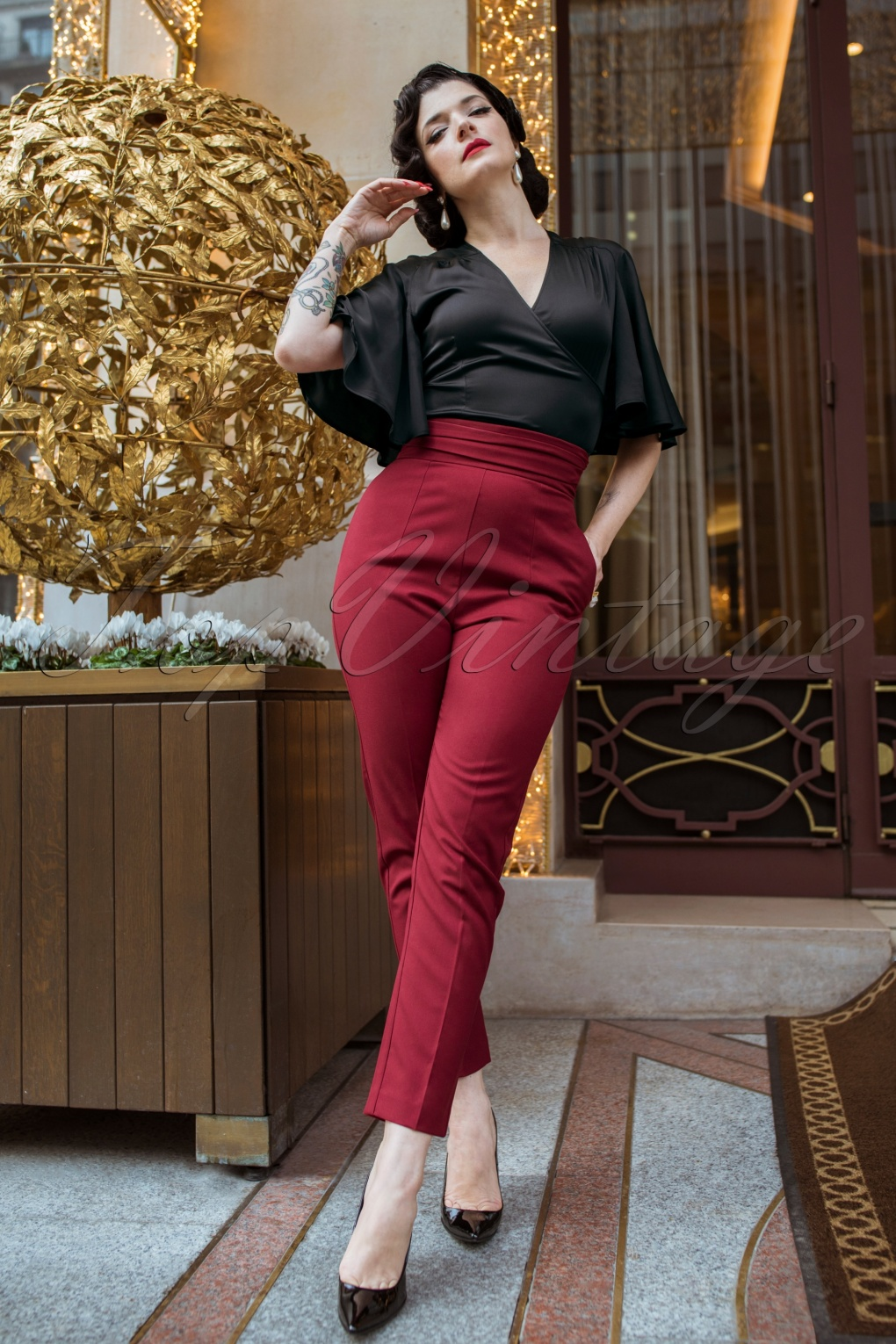 1950s Pants History for Women The Lena Cigarette Trousers in Burgundy £73.71 AT vintagedancer.com