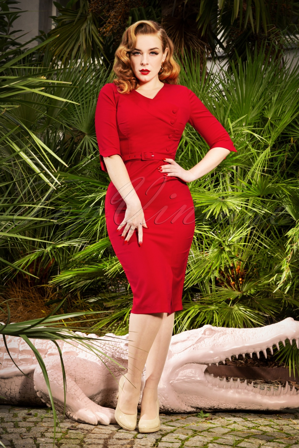 Vintage Style Dresses | Vintage Inspired Dresses 50s Vive Pencil Dress in Lipstick Red £106.62 AT vintagedancer.com