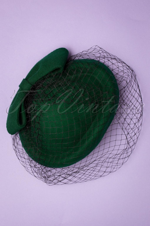 1950s Hats: Pillbox, Fascinator, Wedding, Sun Hats 50s Shamira Fascinator in Green £34.38 AT vintagedancer.com