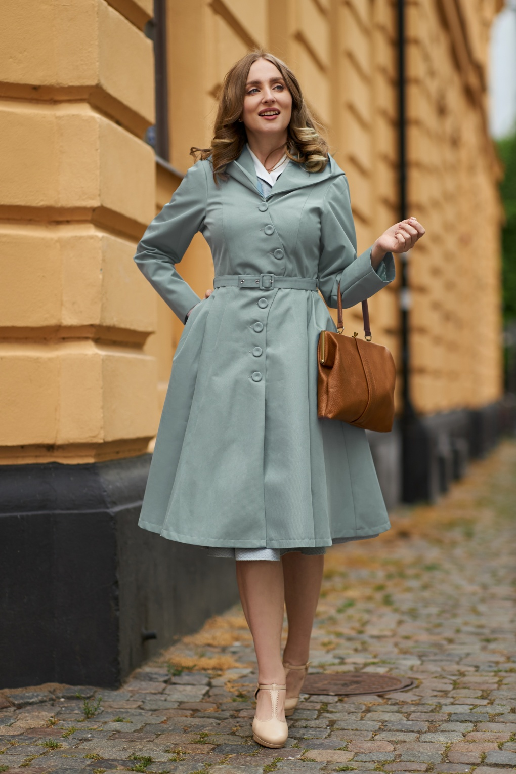 Vintage Coats & Jackets | Retro Coats and Jackets 50s Lorin Helio Swing Trench Coat in Mint £150.23 AT vintagedancer.com