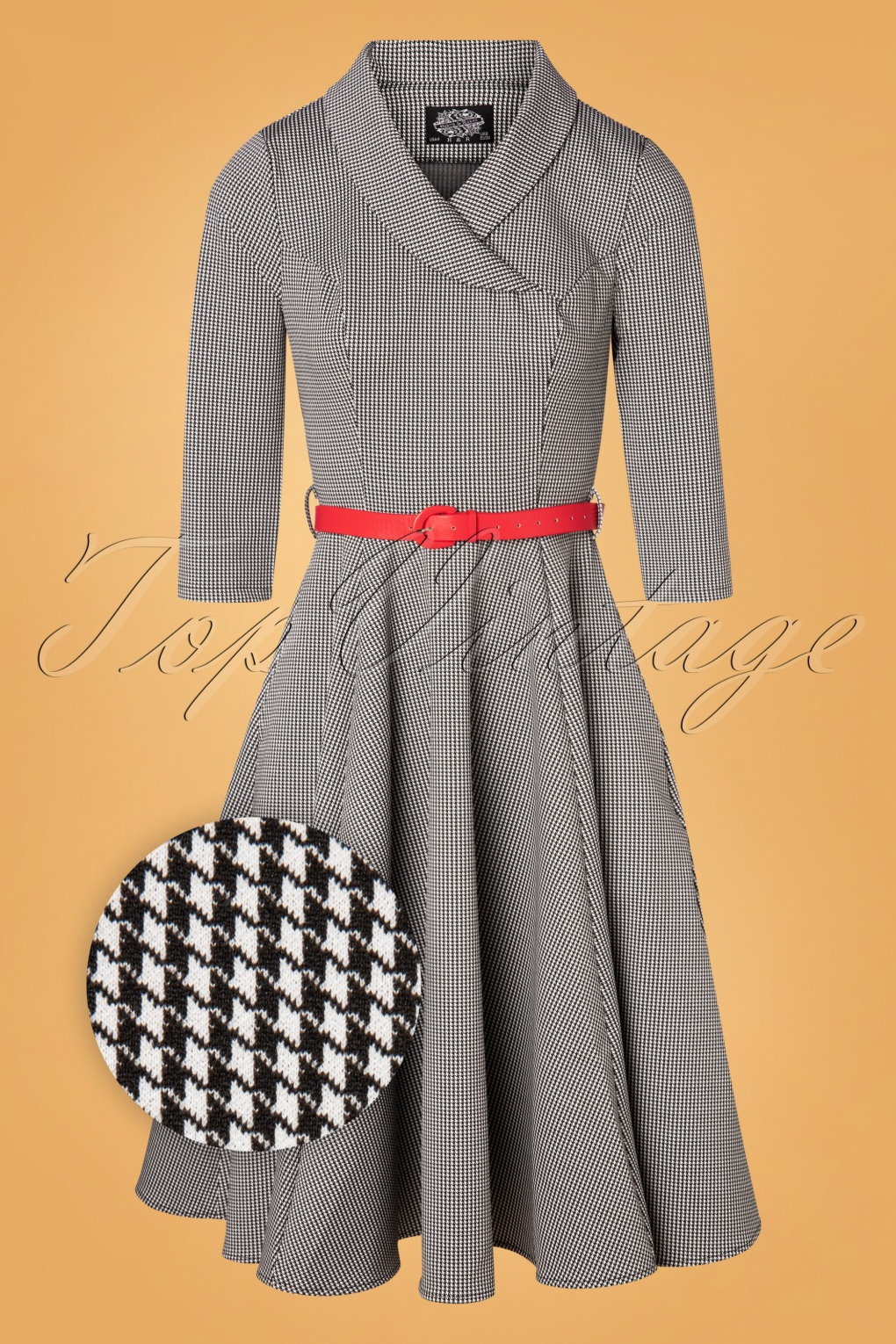 1950s Dresses, 50s Dresses | 1950s Style Dresses 50s Hanna Houndstooth Swing Dress in Black and White £53.29 AT vintagedancer.com