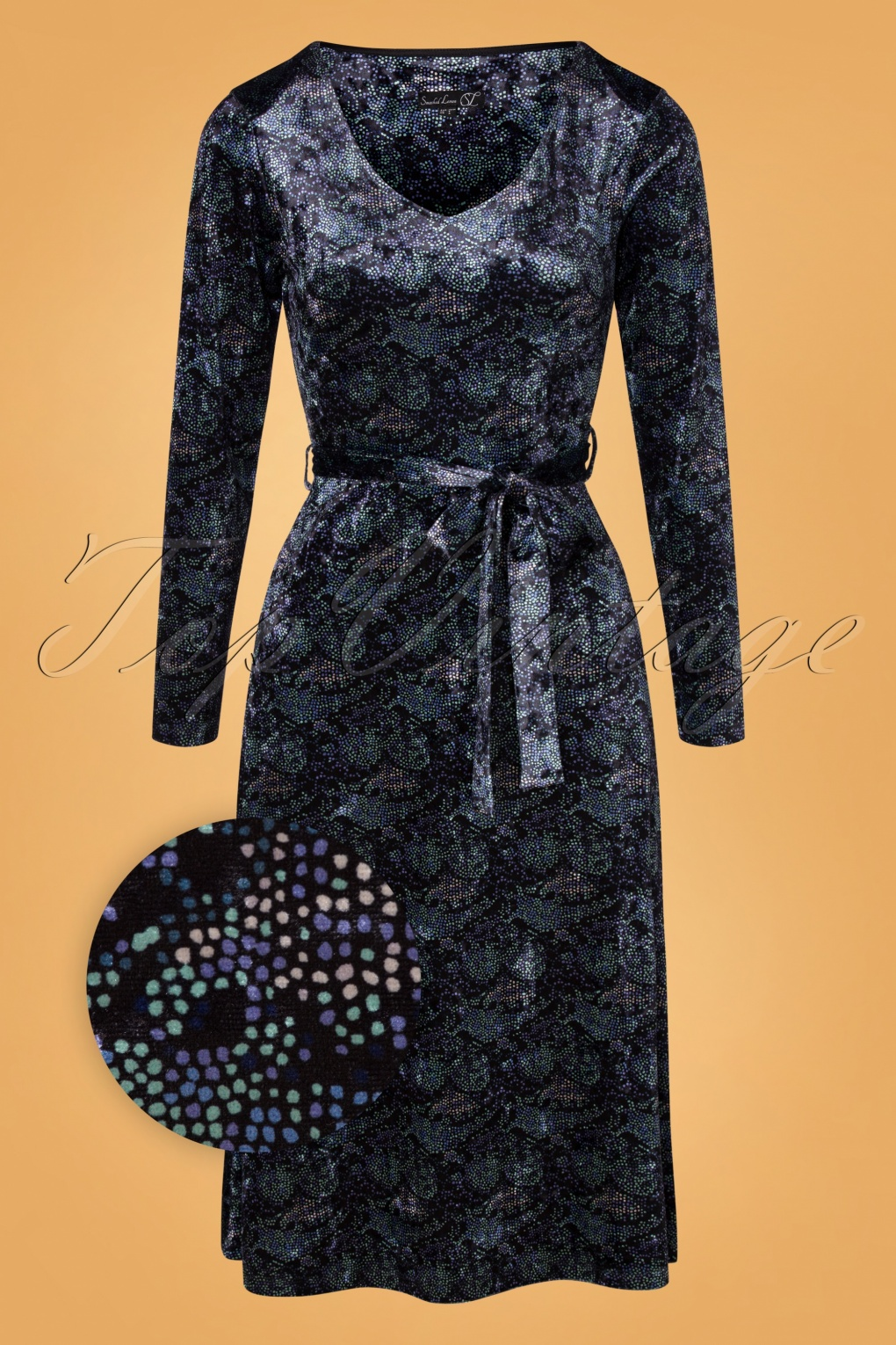 1960s Evening Dresses, Bridesmaids, Mothers Gowns 60s Cobie Velvet Dress in Black and Blue £71.07 AT vintagedancer.com