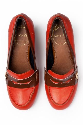 college schoenen met hak