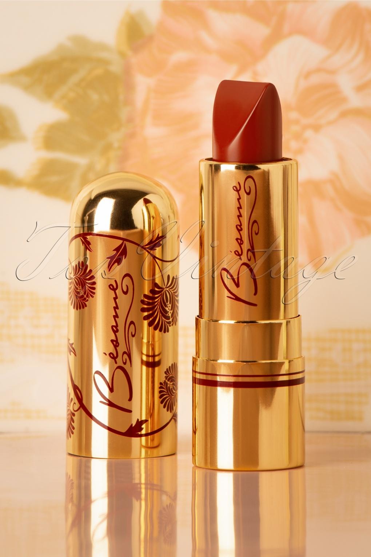 Simple, Natural 1930s Makeup Guide Classic Colour Lipstick in Velvet Red £26.99 AT vintagedancer.com