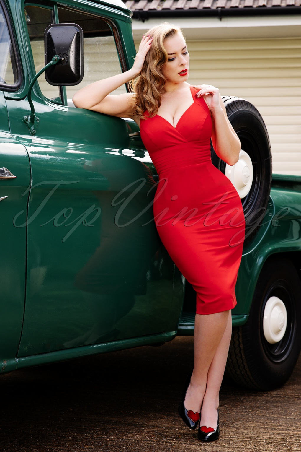 What Did Women Wear in the 1950s? 1950s Fashion Guide 50s Trinity Pencil Dress in Lipstick Red £19.95 AT vintagedancer.com