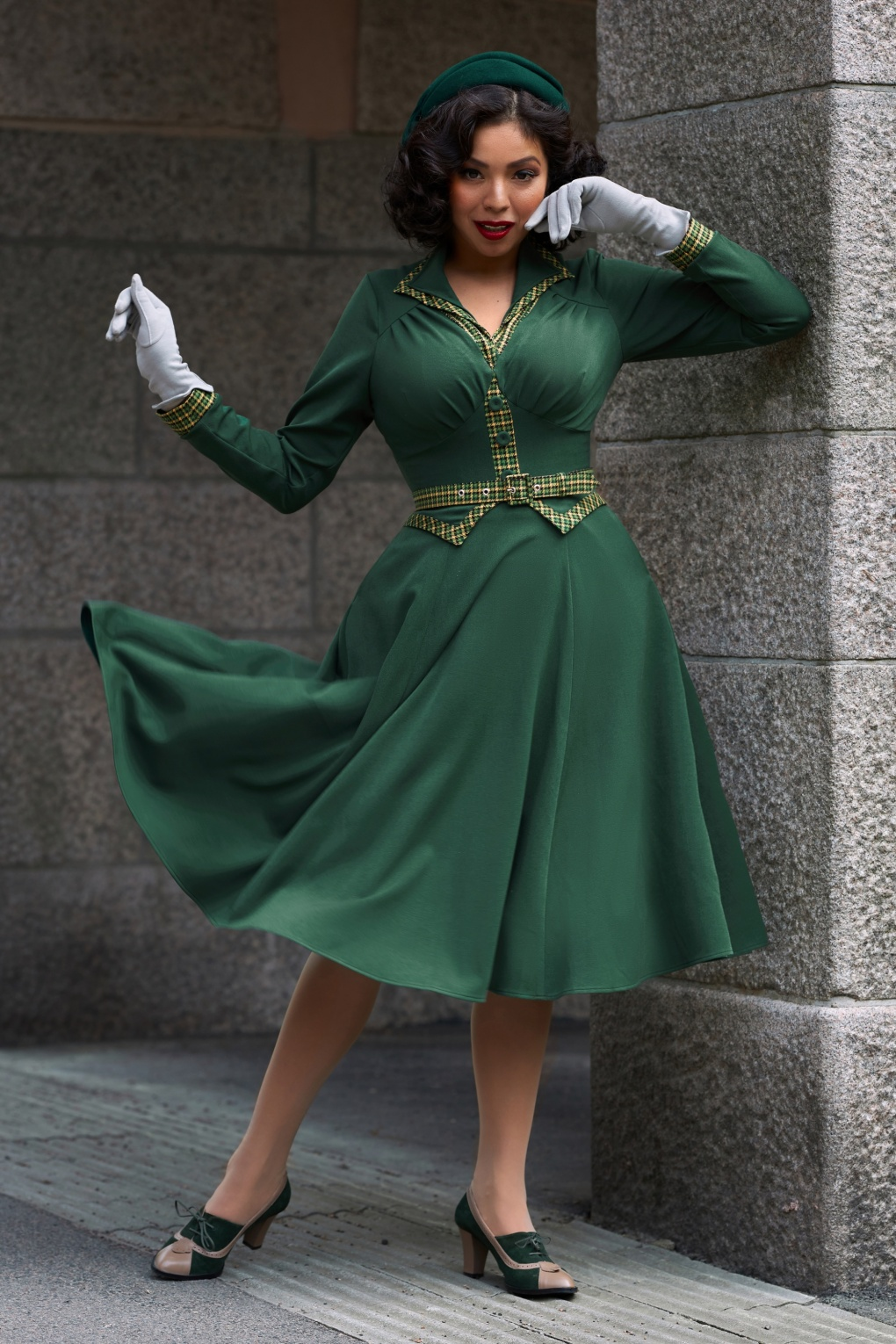 Pin Up Dresses | Pinup Clothing & Fashion 50s Meg Gia Long Sleeved Check Swing Dress in Green £113.11 AT vintagedancer.com