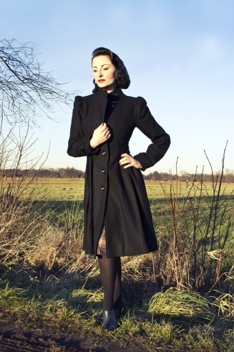 Emmy Swirly Doll coat in black