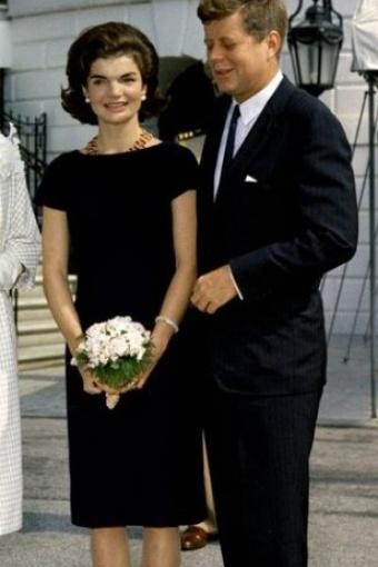 60s Jackie dress in Black