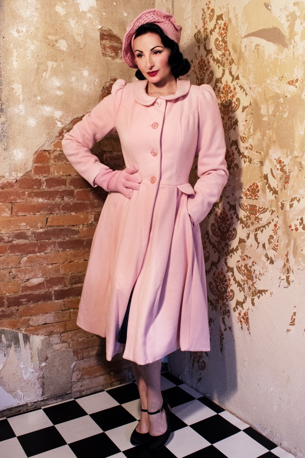 40s Swirly Doll coat with Peter Pan collar in Powder Pink wool
