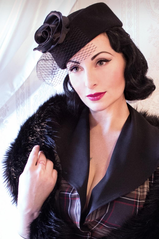50s Rosie Pillbox Hat With Veil In Black