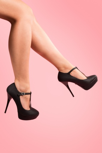 So Vintage 50s Pinup T-Strap plateau pumps in Black_22-4438