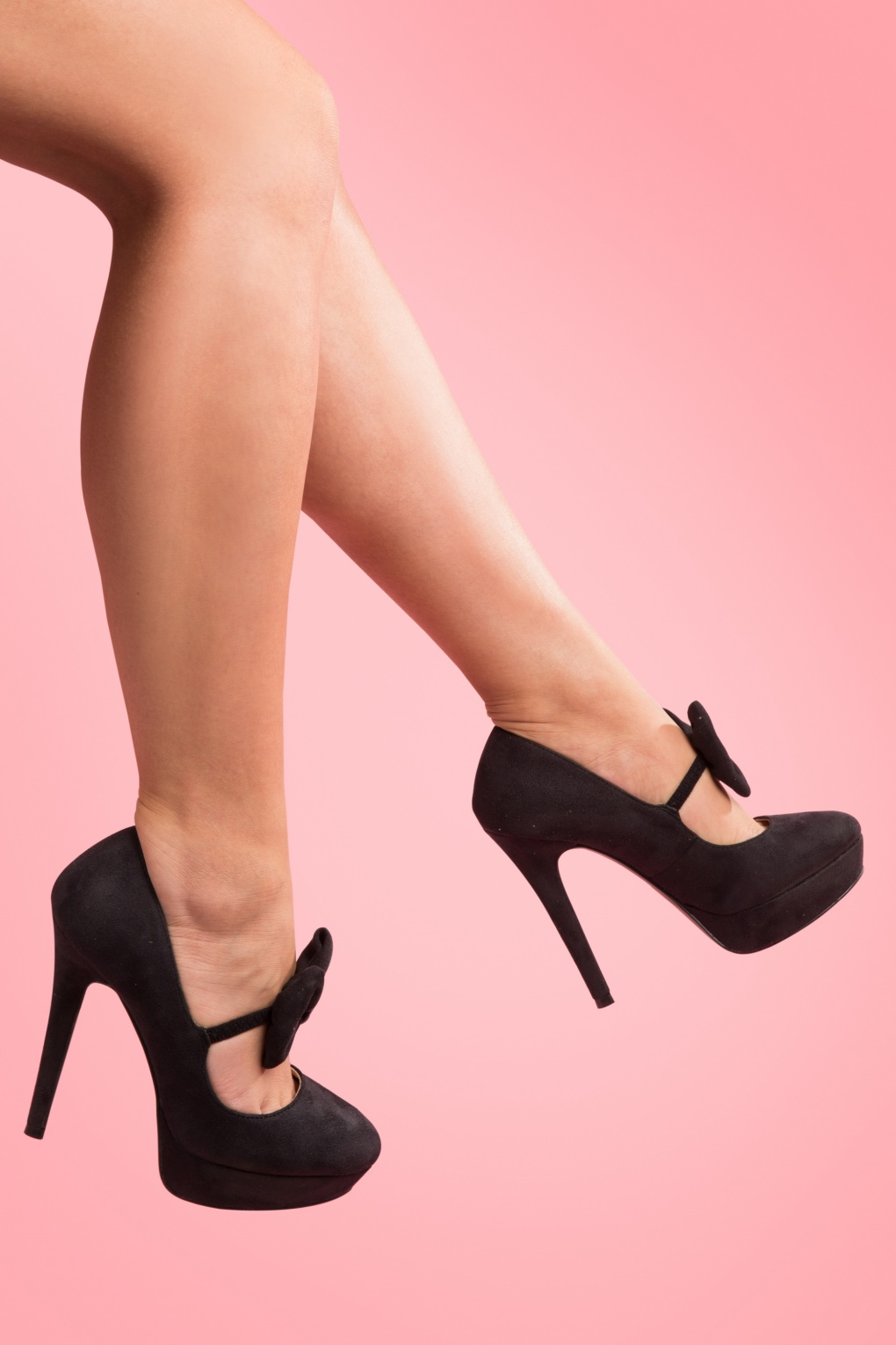 50s Pinup Bootie Bow plateau pumps in Black faux suede