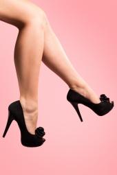 Lolita plateau pump Black faux suede