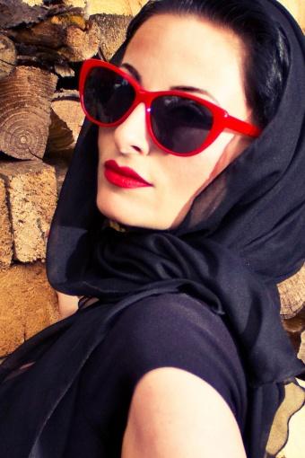 red_sunglass