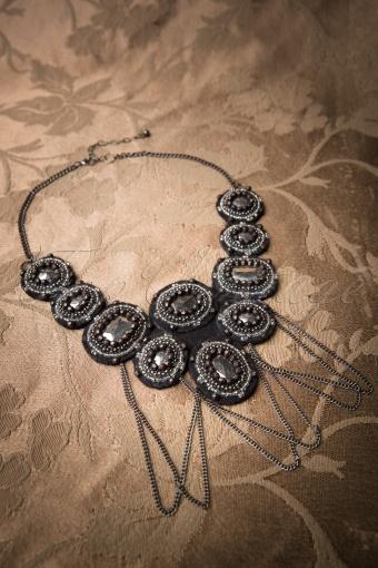 Darling Divine  Black Necklace 320 10 11360 20131212 0013W