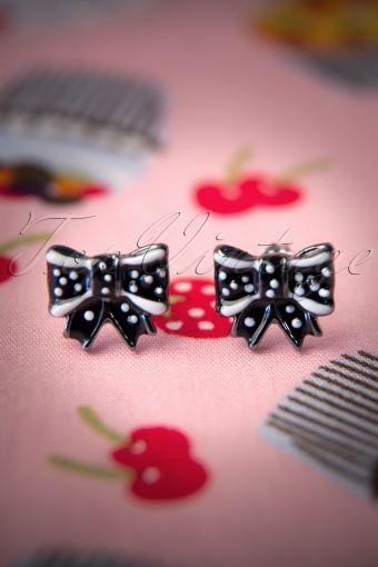 Sourpuss  Black Bow Earrings 330 10 11803 20131218 0007W