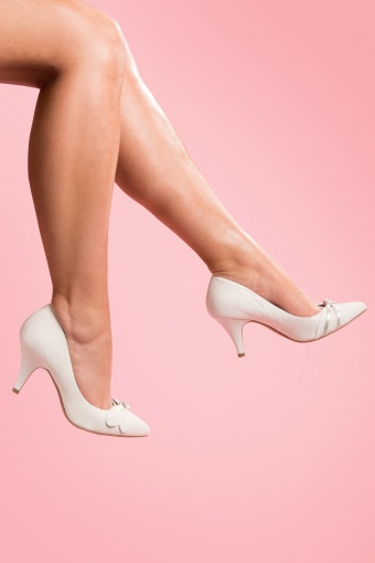 50s Elegant Off White Pointed Pumps