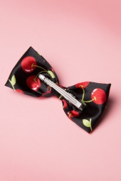 From Paris with Love Cherry Bow Hairclip 208 14 13353 20140607 0004