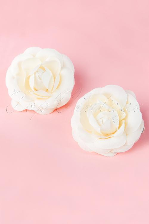 From Paris with love  2001013722 pair of cream roses 20140708 0002w