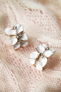 Pretty White Camelias strass earrings