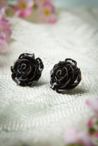 Collectif Clothing 50s English Black Rose Earstuds 330 10 10260 20141111 0017W