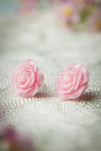 English Rose Earstuds Années 50 en Rose Tendre