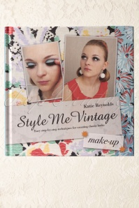 Style me Vintage Make up Styling Guide Book 01